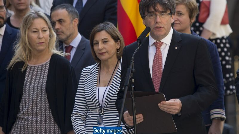 Presedintele catalan, Carles Puigdemont, anunta organizarea referendumului