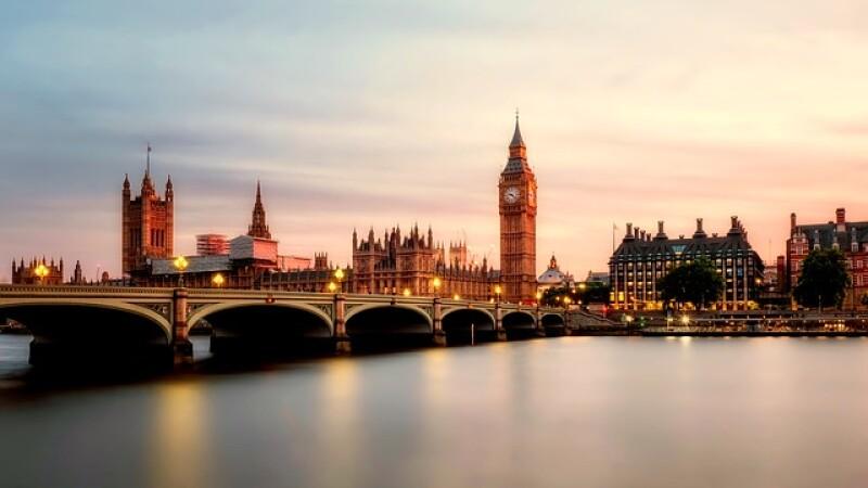 Vize speciale de muncă după Brexit, pentru a lucra la Londra. Cine va beneficia de ele