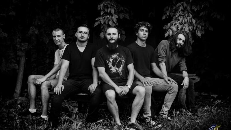 FRIG, trupă românească de avant-garde metal, lansează primul album. Interviu cu Alex