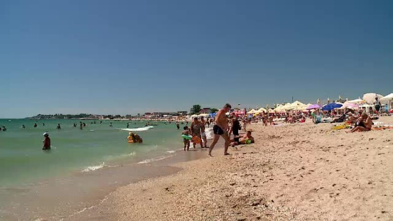 turisti pe litoral
