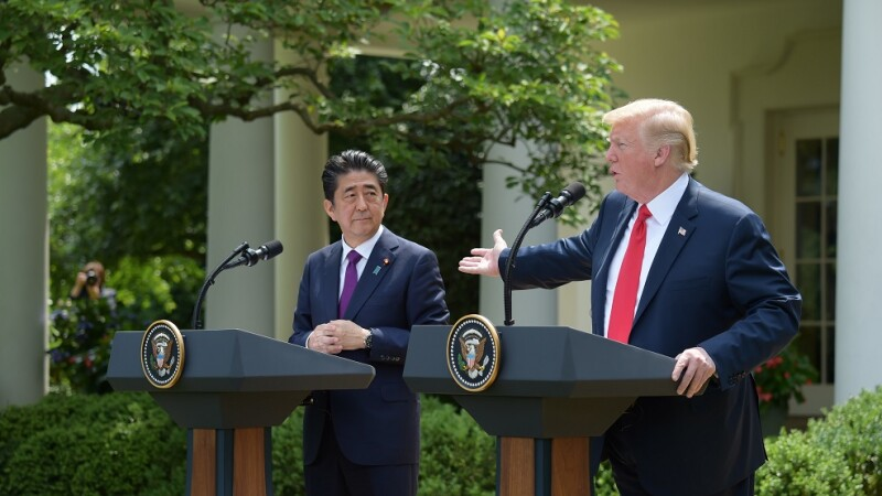 Donald Trump si Shinzo Abe
