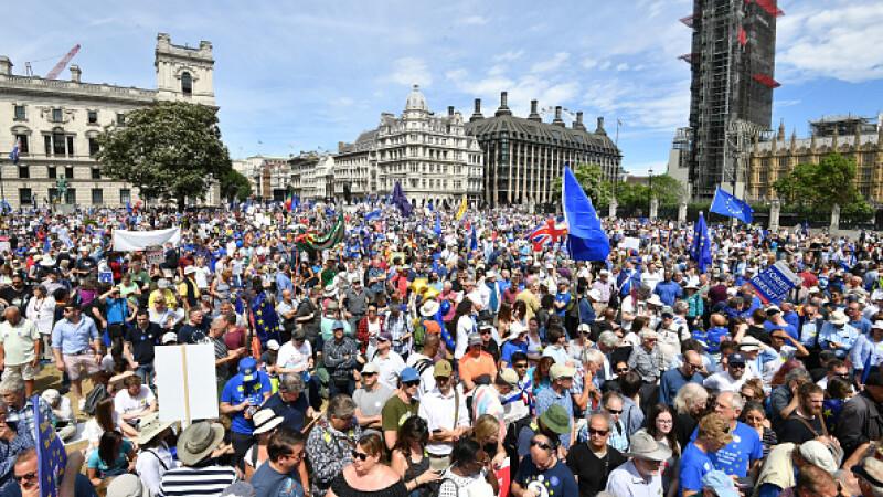 Zeci de mii de oameni, în stradă la Londra pentru un al doilea referendum privind Brexit-ul