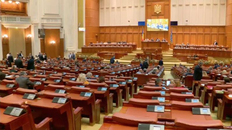 Moţiunea de cenzură, votată miercuri. Opoziția mai are nevoie de 90 de voturi