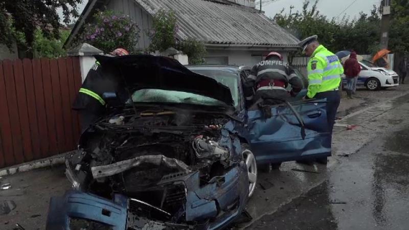 Accidente grave pe șoselele din țară din cauza ploilor abundente. Mai mulți morți