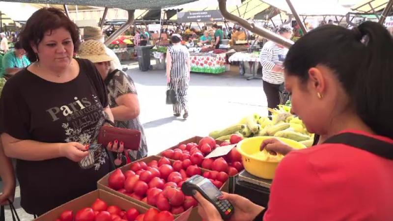 """Primul oraș din România care introduce plata cu cardul în piețe. """"Acum nu mai e greu"""""""