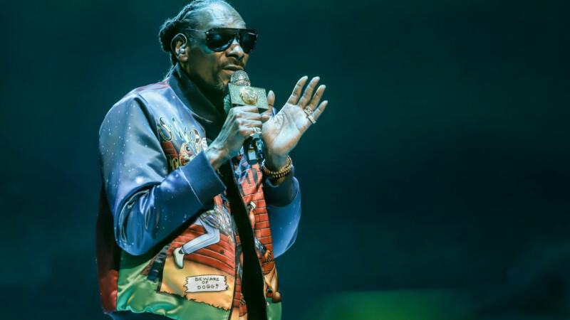 """Snoop Dogg va vota pentru prima dată la alegerile din toamnă. """"Mi-am spălat creierul de unul singur"""""""
