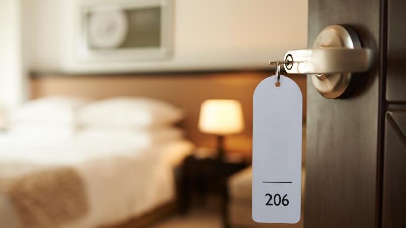 Persoanele necăsătorite nu mai au voie să împartă o camera de hotel în Rusia