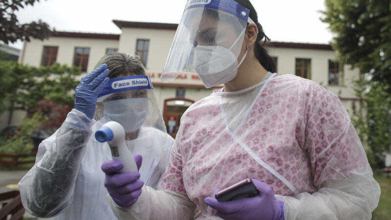 Covid-19 în România: numărul infectărilor din ultimele zile, mult mai mare decât cel al vindecărilor