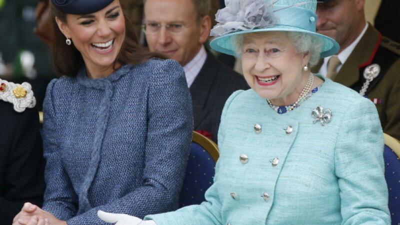 regina elisabeta a II-a si kate midleton