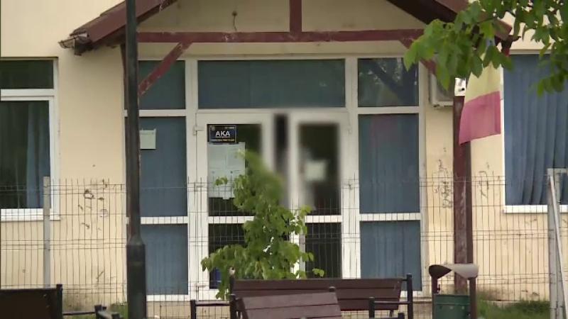Caz șocant la o școală din Ilfov. O fată de 15 ani a băut până aproape de comă alcoolică și a fost închisă în sala de sport