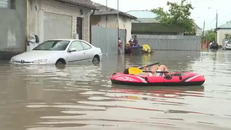 Ploile abundente au făcut prăpăd în țară. 49 de localități din 18 județe, grav afectate