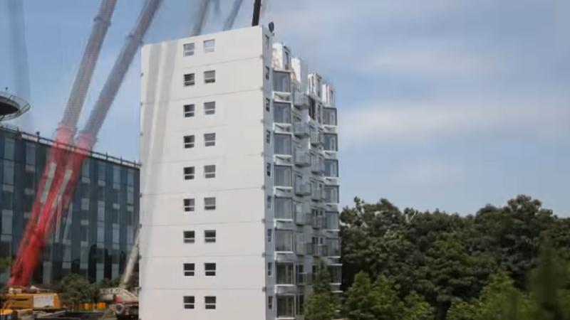 O firmă din China a construit un bloc de 10 etaje, complet finisat, în 28 de ore și 45 de minute VIDEO