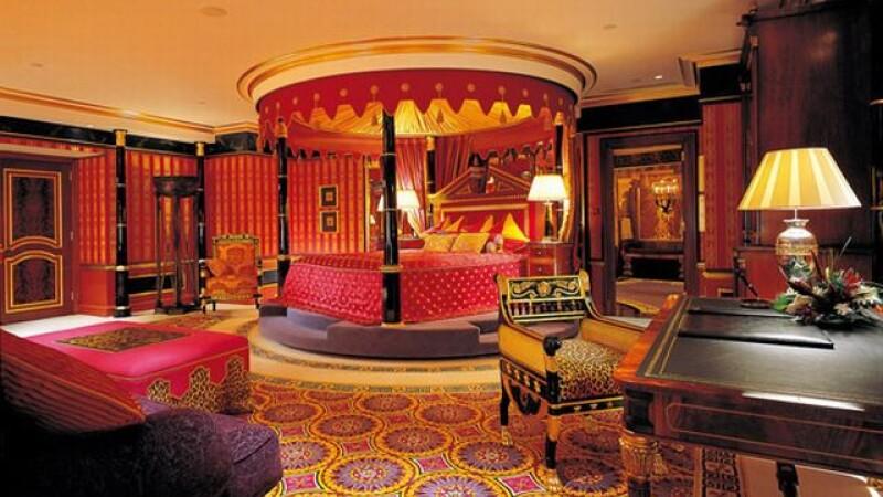 Cele mai luxoase hoteluri din lume. O noapte poate costa si salariul anual