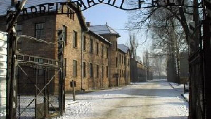 Povestea surorilor care au supravietuit Holocaustului. Inapoi la Auschwitz, dupa aproape 70 de ani