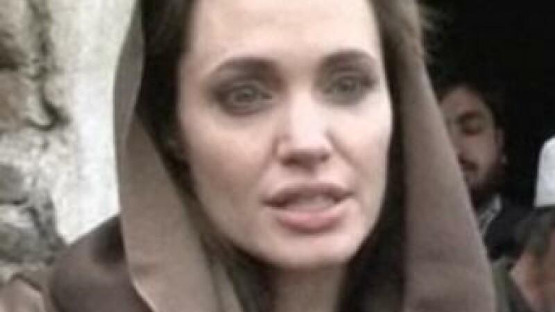 Angelina Jolie, in vizita la refugiatii din Afganistan. VIDEO