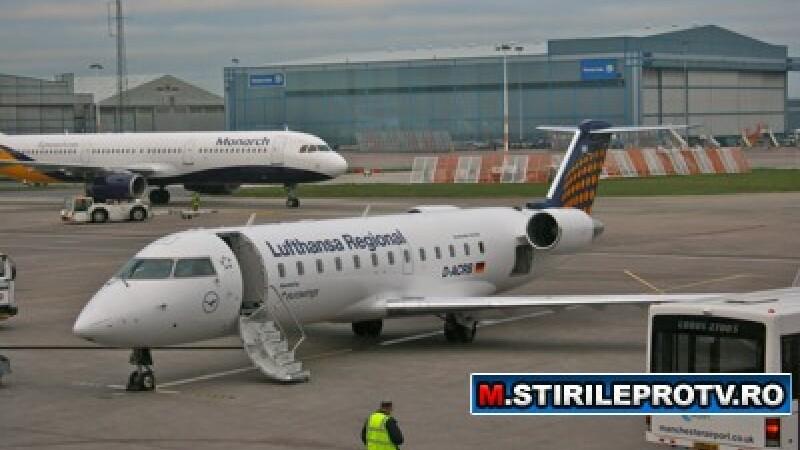 Avion Lufthansa pe aeroport CRJ