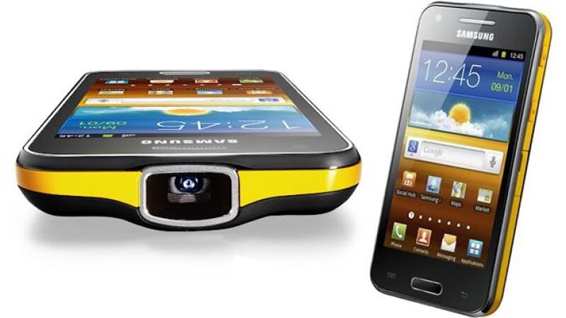 VIDEO. Hands-On Samsung Galaxy Beam. Vezi cum functioneaza telefonul