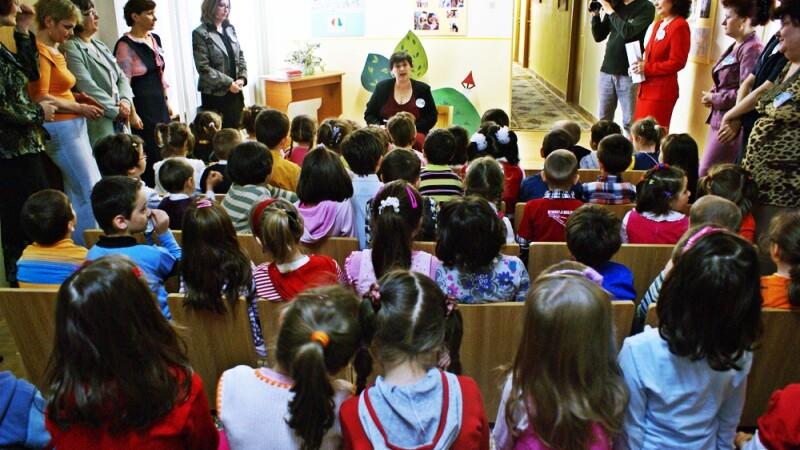Au vrut sa isi inscrie copiii la scoli de renume, dar au ramas pe dinafara.Ce se intampla cu micutii
