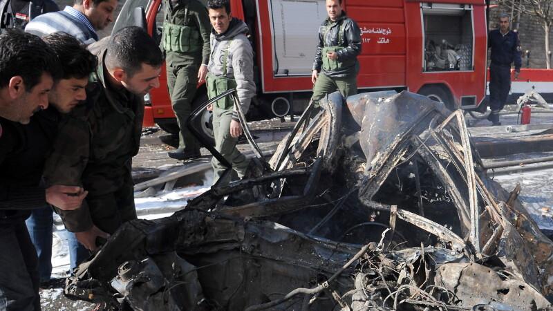 Doua explozii au zguduit Damascul si au provocat 27 de morti si 97 de raniti. Foto si VIDEO