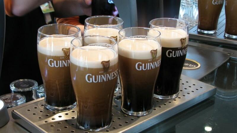 De ziua Sf. Patrick, curg rauri de Guinness. Povestea cele mai celebre beri din lume GALERIE FOTO