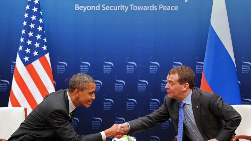 Discutia privata dintre Barack Obama si Dmitri Medvdev a generat reactii prudente in Europa