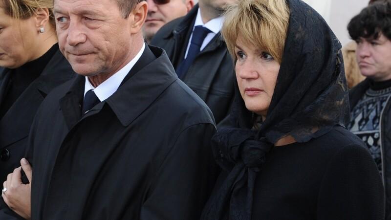 Soacra lui Traian Basescu a murit. Mama primei doamne avea 83 de ani
