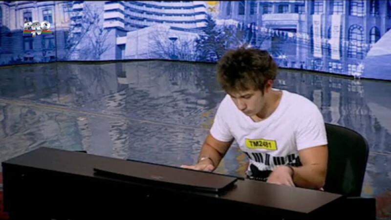 Cosmin Mihalache, compozitor la 18 ani. Cu pianul sau a smuls lacrimi si aplauze in toata Romania