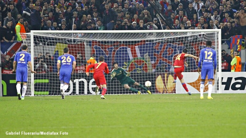 Steaua - Chelsea. Raul Rusescu transforma un penalty si aduce victoria pentru ros-albastri. VIDEO