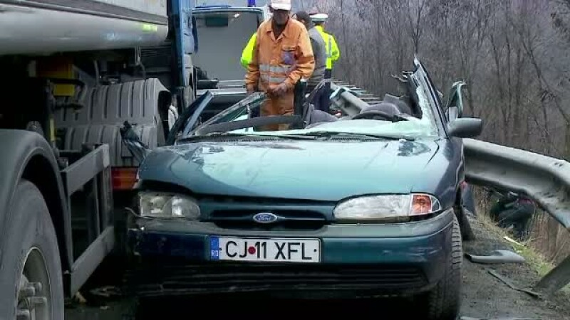 Accident cu cinci victime in judetul Cluj, in drum spre nunta. Parintii si fratele miresei au murit