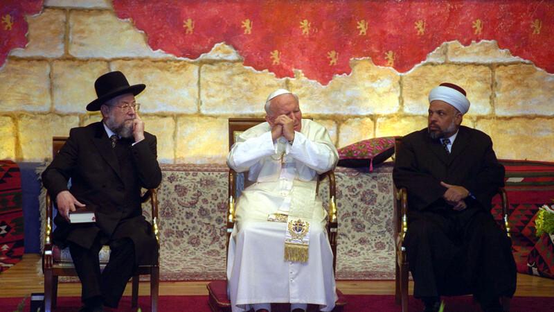 Istoria zbuciumata a Bisericii Catolice. Suveranii Pontifi care au schimbat lumea prin deciziile lor