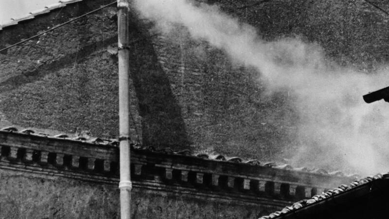 Secretul fumului care iese pe cosul Capelei Sixtine, dezvaluit de Vatican