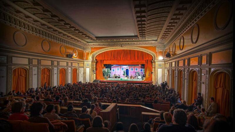 teatru hunedoara