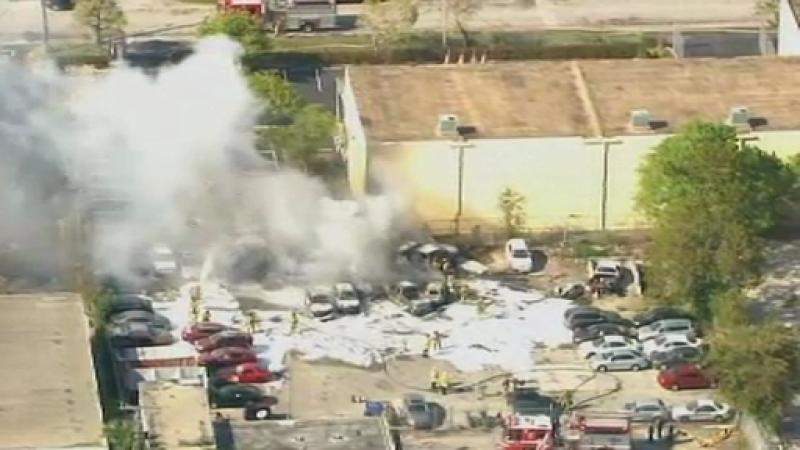Un avion de mici dimensiuni s-a prabusit in Florida, provocand moartea celor trei pasageri. VIDEO