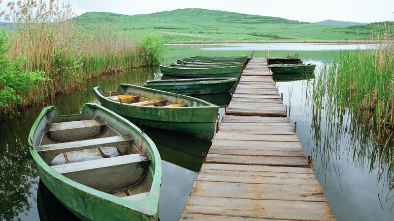 Doi morti si doi disparuti, dupa ce s-au rasturnat cu barca in Delta Dunarii