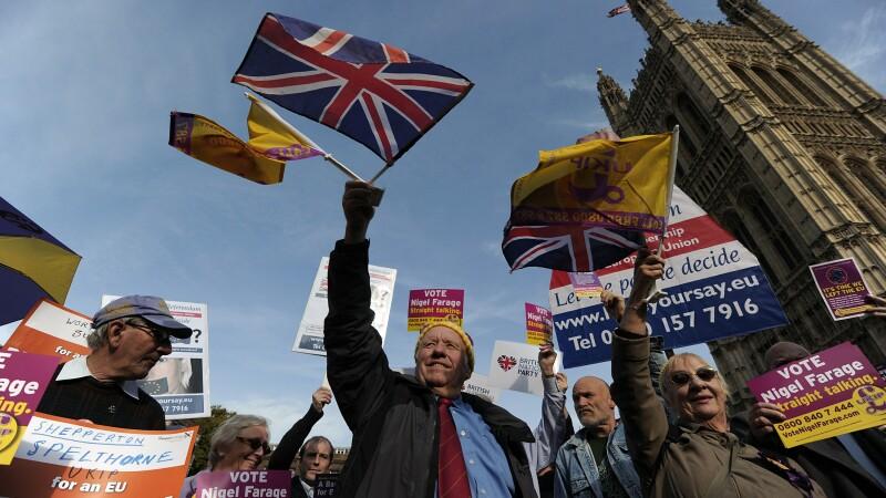 Partidul britanic antieuropean si antimigrare UKIP inregistreaza un avans record in sondaje