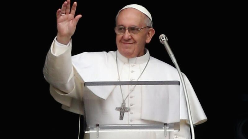 Papa Francisc a sunat la resedinta iezuita din Roma. Ce raspuns a primit dupa ce s-a prezentat