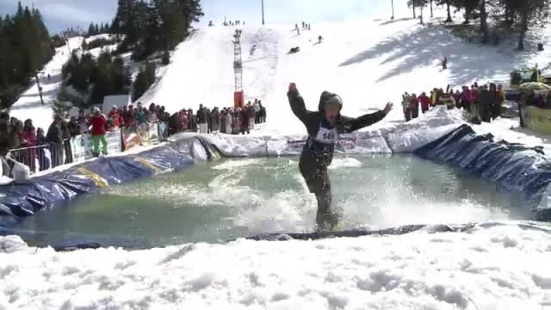 Final de sezon spectaculos pe partiile din Paltinis. Turistii au planat cu schiurile pe apa. VIDEO