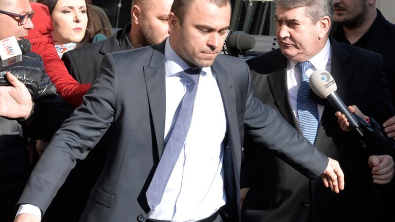 Fostul viceprim-ministru Gabriel Oprea soseste la sediul Directiei Nationale Anticoruptie