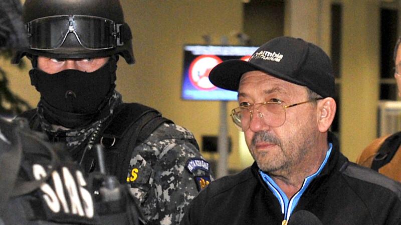 Florian Walter a fost adus la Bucuresti, sub escorta Politiei Romane. Omul de afaceri a fost arestat preventiv