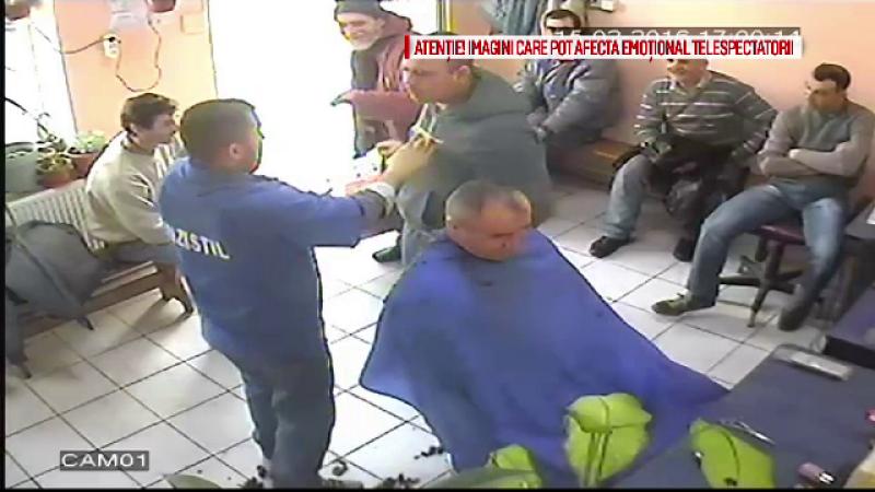 Un interlop din Galati a desfigurat un frizer pentru ca i-a cerut sa stea la coada. Ce i-au spus politistii victimei