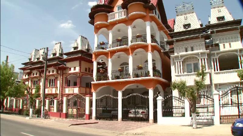 Tiganii cu palate in Tandarei, folositi de britanici ca argument anti-UE. \