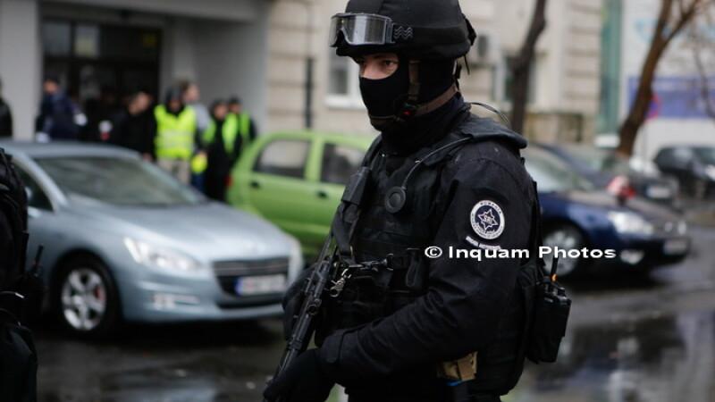 Alertă din cauza unui colet suspect, pus lângă sediul SRI din Pitești. Ce era în el