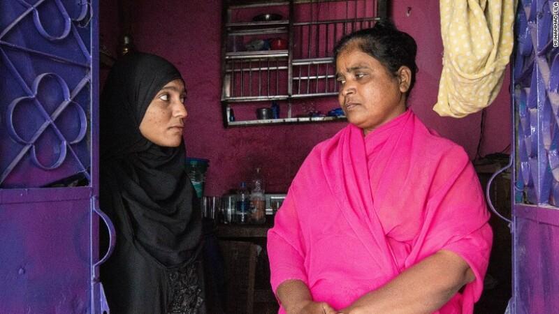 Reportaj CNN: Vanduta la varsta de 12 ani de propria mama unui barbat de 70 de ani. Drama unei copile din India