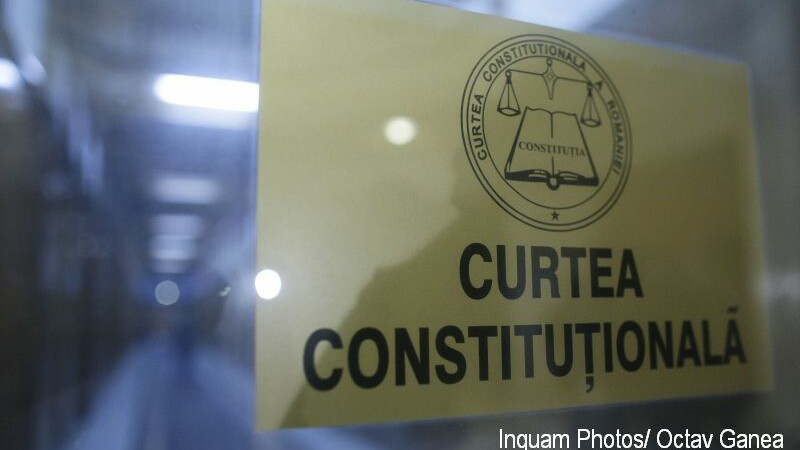 Senatorii vor ca judecătorii CCR să nu mai fie reținuți sau arestați fără acordul ... CCR