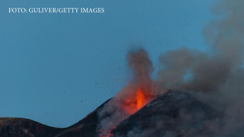 Cel putin 10 raniti dupa ultima eruptie a vulcanului Etna. Autoritatile italiene monitorizeaza 24/7 activitatea vulcanului