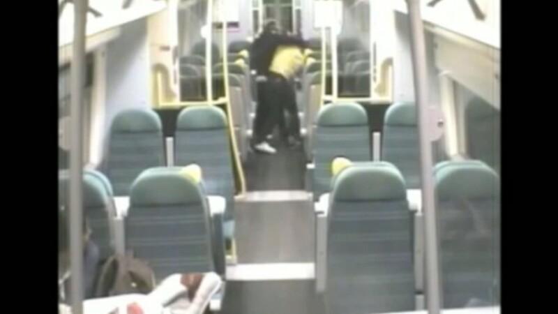 Un barbat a fost condamnat la inchisoare, dupa ce si-a batut amicul pentru ca l-a trezit la statia gresita. VIDEO