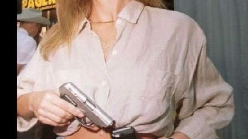 adolescenta pistol