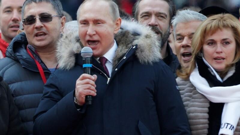 """Vladimir Putin, întrebat dacă va renunța la Crimeea: """"Nu, aţi luat-o razna?"""""""