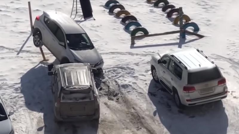 Un şofer rus beat a făcut dezastru în parcare