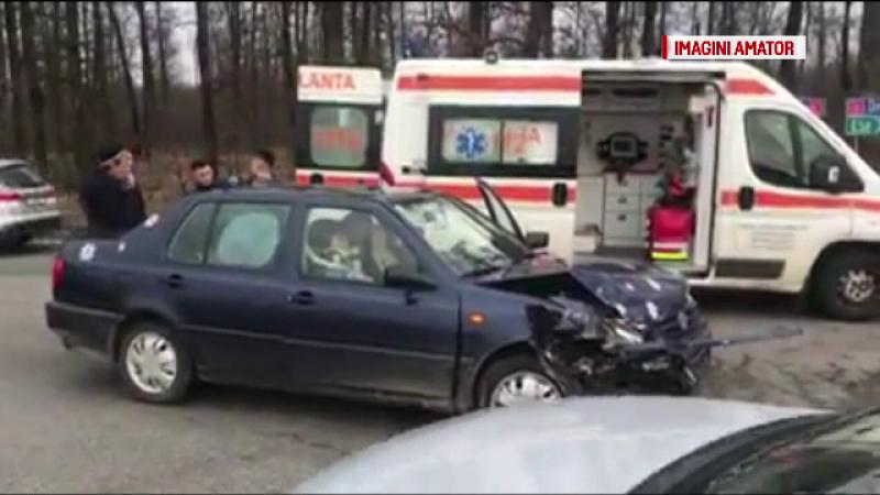 Accident pe un drum național din Maramureș. Șoferul conducea o mașină cu volanul pe dreapta